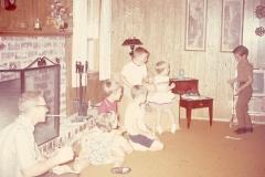Paul Jr., Paul III, Laurie, Lisa, Mayes - Midland July 1968