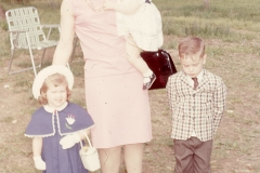 Barbara, Paul III, Laurie and Lisa Mayes, Arkansas 1965